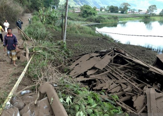 Nusabali.com - warga-tiga-desa-di-kintamani-terisolir-akibat-gempa