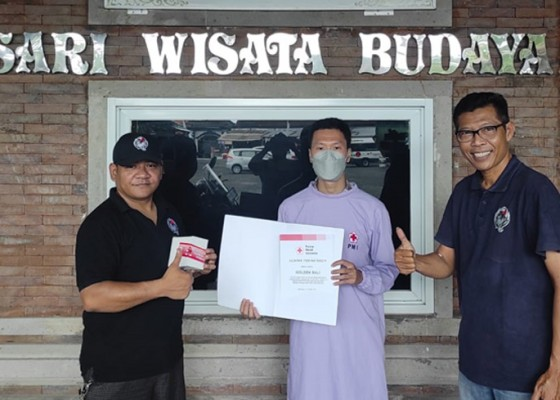 Nusabali.com - komunitas-driver-pariwisata-gelar-aksi-donor-darah