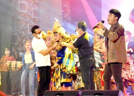 Nusabali.com - dyouth-fest-2021-dibuka-jaya-wibawa-tekankan-kreativitas-harus-terus-menyala-meski-pandemi