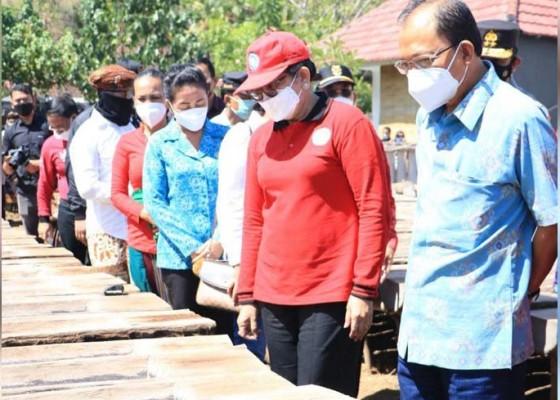 Nusabali.com - krama-bali-diminta-gunakan-uyah-bali-untuk-konsumsi