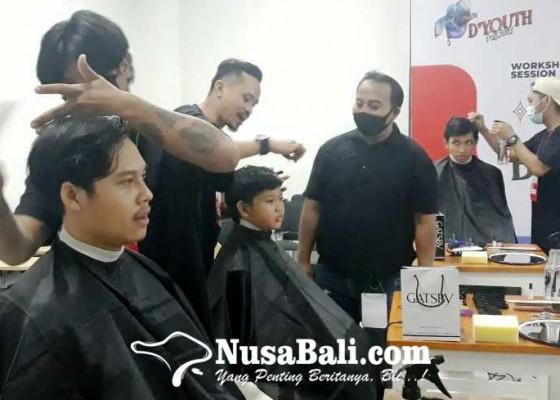 Nusabali.com - anak-muda-antusias-ikuti-pelatihan-barbershop-di-dyouth-festival