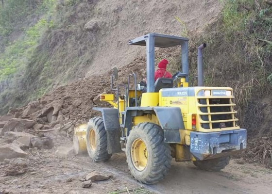 Nusabali.com - jalur-darat-menuju-desa-trunyan-kintamani-masih-ditutup