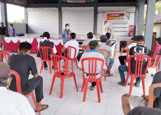 Nusabali.com - tim-pkw-unud-gelar-bimtek-budidaya-lebah-madu-di-desa-lumbung