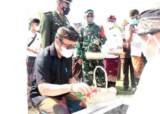 Nusabali.com - veteran-made-anom-diabadikan-di-taman-makam-pahlawan-pancaka-tirta