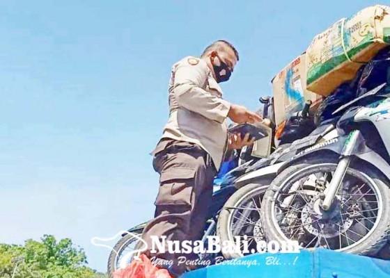 Nusabali.com - polisi-periksa-8-truk-angkut-motor