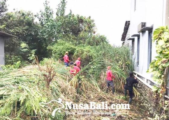 Nusabali.com - alur-sungai-di-perumahan-taman-mulia-dinormalisasi