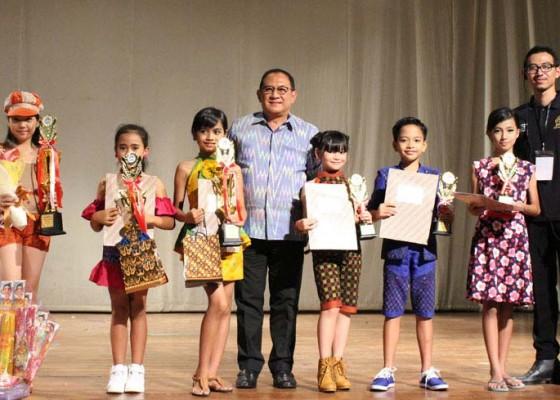 Nusabali.com - lomba-busana-endek-dan-batik-perkaya-kain-tradisional-bali