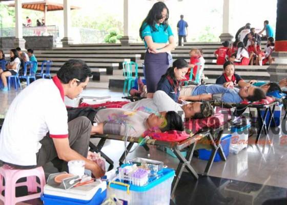 Nusabali.com - jegeg-bagus-klungkung-gelar-donor-darah