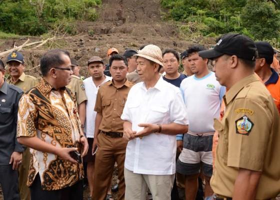 Nusabali.com - gubernur-pastika-minta-percepat-relokasi-korban-longsor