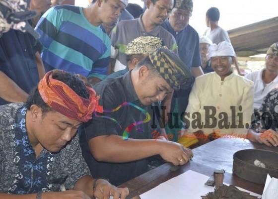 Nusabali.com - penyuluh-bahasa-bali-temukan-cakep-lontar-tahun-863-masehi