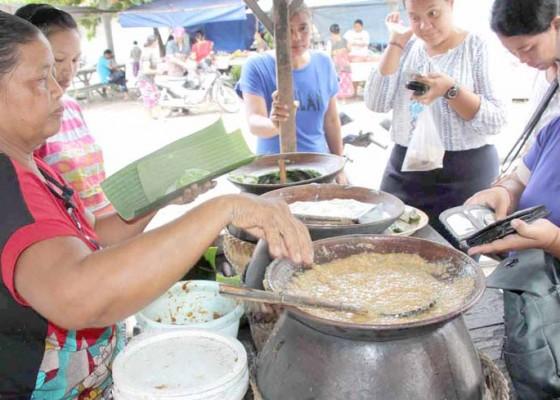 Nusabali.com - pertahankan-kuliner-tradisional
