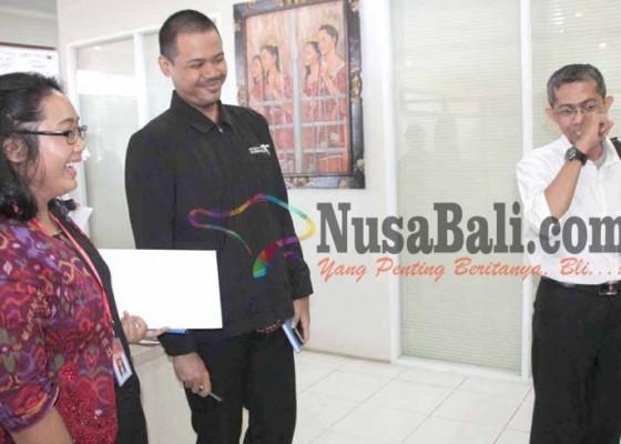 Nusabali.com - ori-pertanyakan-2-sertifikat-pemkab