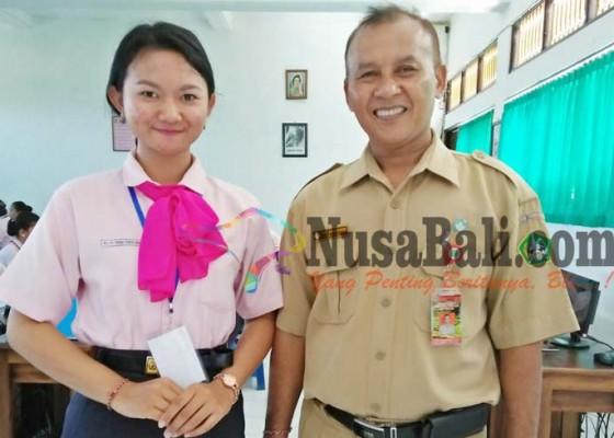 Nusabali.com - siswi-smkn-1-tabanan-juara-di-lks-provinsi-bali