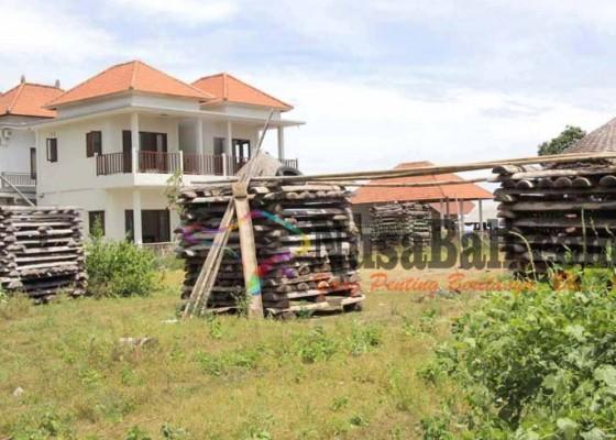 Nusabali.com - perajin-garam-di-banjar-amed-terdesak-pembangunan-hotel