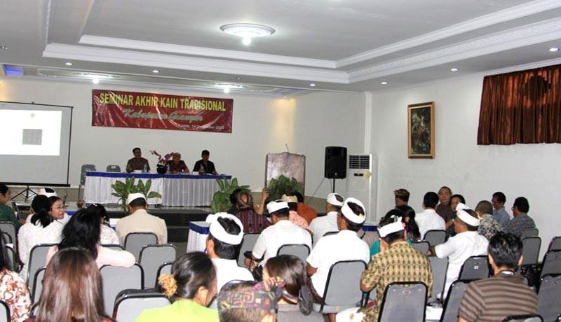 www.nusabali.com-industri-tenun-dilanda-krisis-penenun