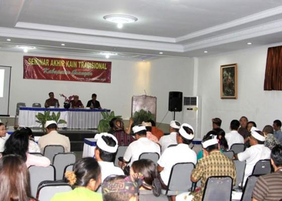 Nusabali.com - industri-tenun-dilanda-krisis-penenun