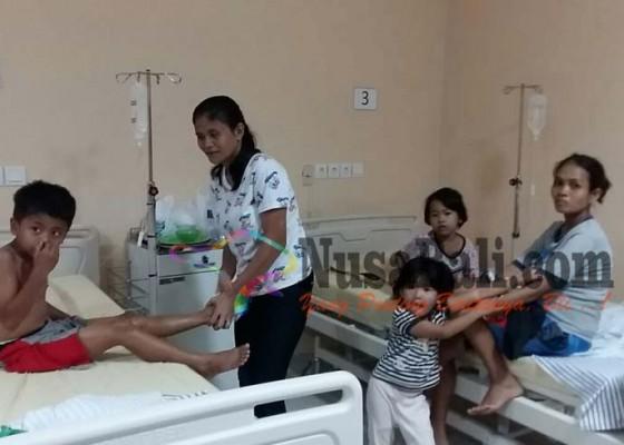 Nusabali.com - 49-bocah-tk-keracunan-nasi-kuning-ultah