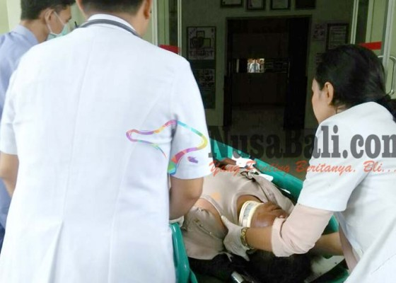 Nusabali.com - tabrakan-oknum-polisi-patah-kaki