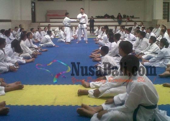 Nusabali.com - pelatih-jepang-pimpin-gashuku-forki-bali