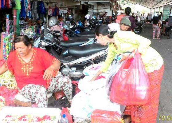 Nusabali.com - tumpek-landep-harga-bunga-pacah-melambung
