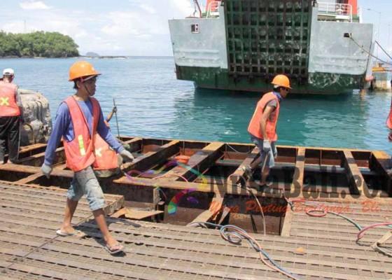 Nusabali.com - dermaga-ii-dibongkar-terjadi-antrean-di-pelabuhan