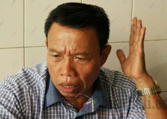 Nusabali.com - dewan-tersangka-bansos-fiktif-pilih-melawan