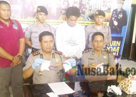 Nusabali.com - polisi-amankan-3186-pil-koplo-di-gilimanuk
