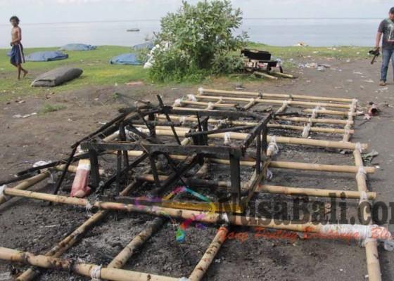 Nusabali.com - 10-ogoh-ogoh-terbakar-misterius