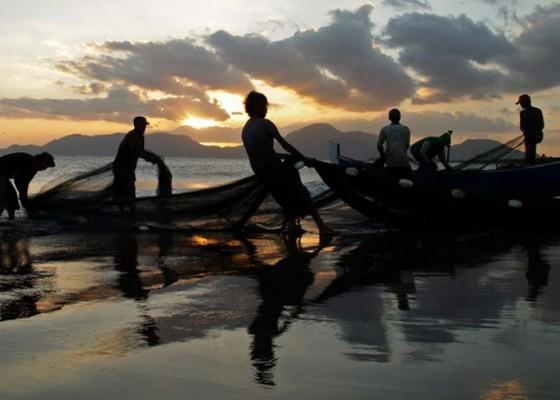 Nusabali.com - penerbitan-asuransi-nelayan-belum-tuntas