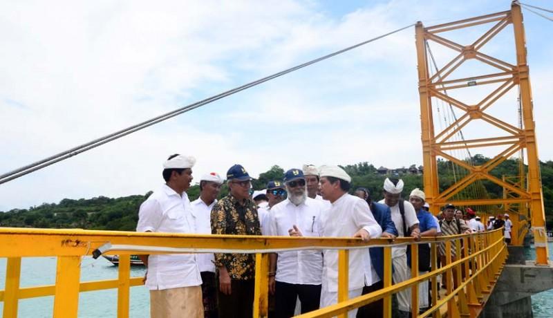 www.nusabali.com-wagub-sudikerta-hadiri-peresmian-jembatan-kuning
