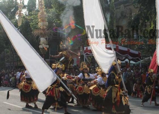 Nusabali.com - ada-barong-ket-jumbo-dengan-tinggi-65-meter-dan-panjang-9-meter