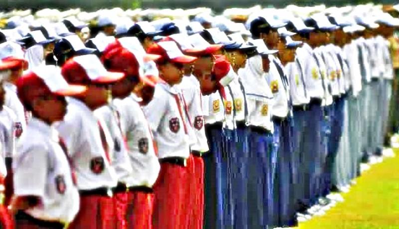 www.nusabali.com-komisi-ii-harapkan-sekolah-swasta-juga-dapat-perhatian-soal-seragam