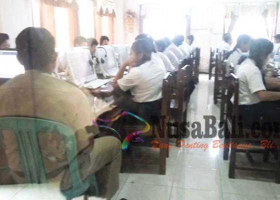 Nusabali.com - un-smp-38-siswa-absen-1-menikah
