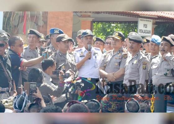 Nusabali.com - ratusan-sopir-taksi-konvensional-kembali-berdemo
