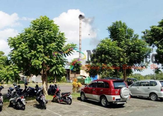Nusabali.com - warga-protes-bau-sampah-medis