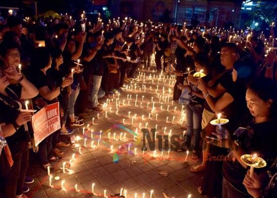 Nusabali.com - ribuan-massa-nyalakan-lilin-buat-ahok-nkri