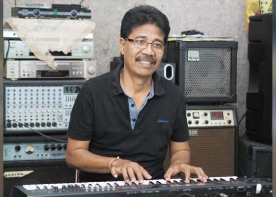 Nusabali.com - memulai-dari-gitar-bekas-rp-10000