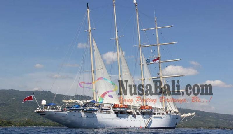 www.nusabali.com-sandar-di-lovina-kapal-pesiar-diprotes