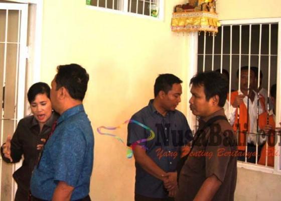 Nusabali.com - penjagaan-sel-tahanan-pn-denpasar-diperketat