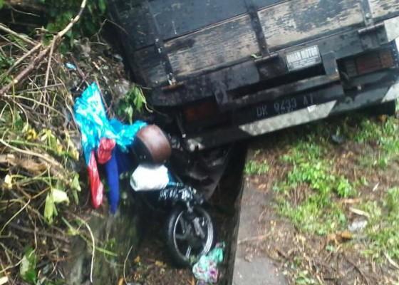 Nusabali.com - remaja-putri-tewas-tertabrak-truk