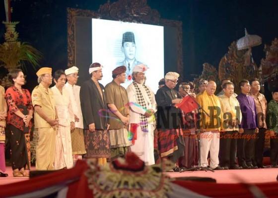 Nusabali.com - krama-bali-deklarasikan-bung-karno-bapak-bangsa