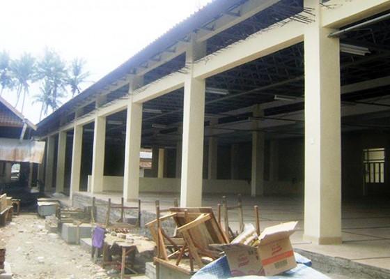 Nusabali.com - pedagang-pasar-kusamba-gelisah