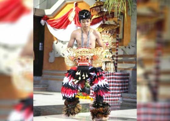 Nusabali.com - belajar-menari-barong-dari-youtube