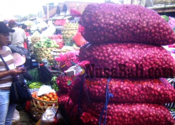 Nusabali.com - harga-bawang-merah-melonjak-bawang-putih-merosot