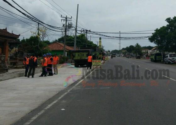 Nusabali.com - proyek-jalan-nasional-dihentikan-mulai-h-10-lebaran