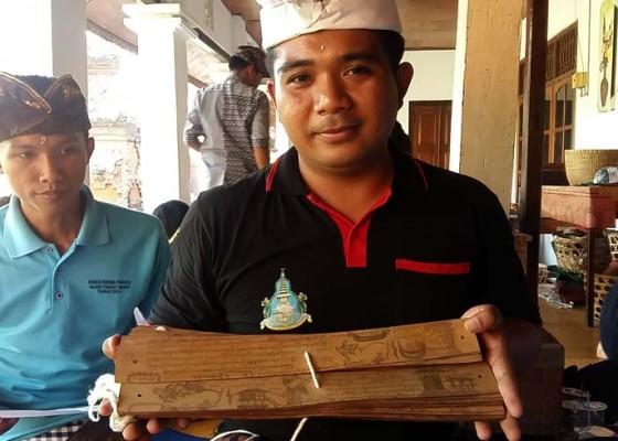 Nusabali.com - lontar-tenung-milik-griya-sangket-baru-pertama-ditemukan-di-bali