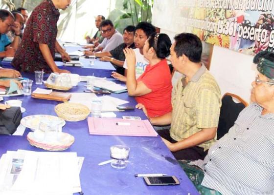 Nusabali.com - puncak-hut-amlapura-ditandai-makan-gratis