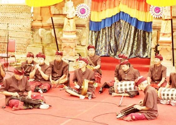 Nusabali.com - hanya-dua-orang-penekun-kesenian-nolin-di-klungkung