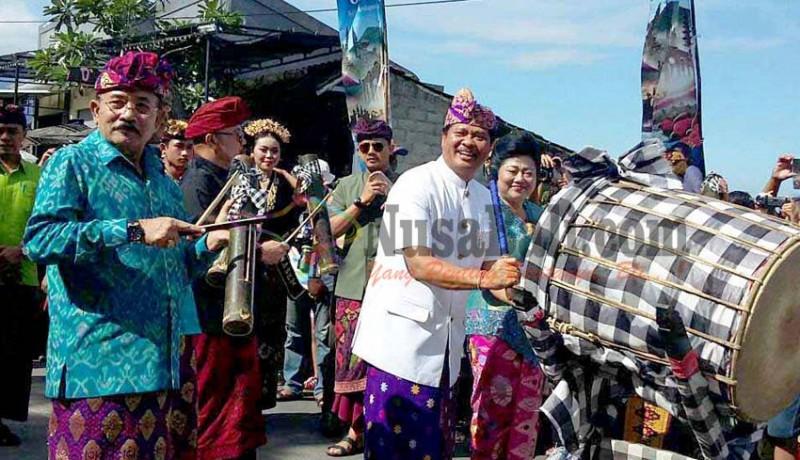 www.nusabali.com-pawai-budaya-hut-ke-377-kota-amlapura