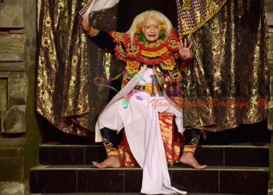 Nusabali.com - maestro-seni-bali-perankan-pengorbanan-kebo-iwa